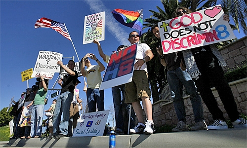 gay-rights-demonstration-saddleback-church